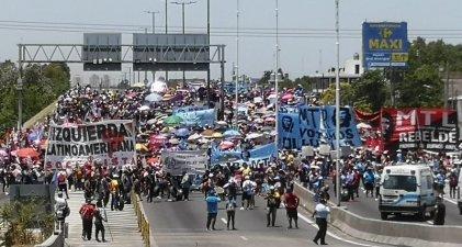 Levantaron el acampe en Puente La Noria tras 20 horas de protesta