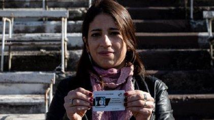Reconocimiento a la nieta restituida María Victoria Moyano Artigas en la Legislatura porteña