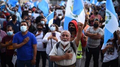 Miles de indígenas de Guatemala llevan a cabo jornada de lucha para pedir la renuncia de Giammattei