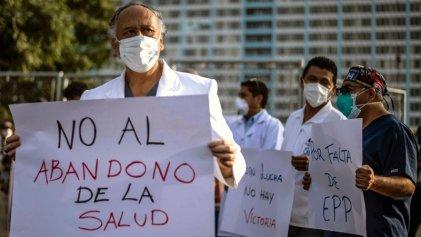 Huelga nacional indefinida de la Federación Médica de Perú