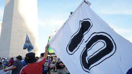 Concentración en Obelisco: piden justicia por la muerte de Maradona