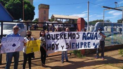 La ciudad de la cataratas: en Iguazú hace dos meses que la población no tiene agua
