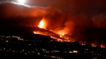 El río de lava del volcán de La Palma cubre 103 hectáreas y arrasa al menos 183 casas de camino hacia el mar