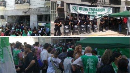 Ministerio de Hacienda: amenazan con reprimir a municipales porteños