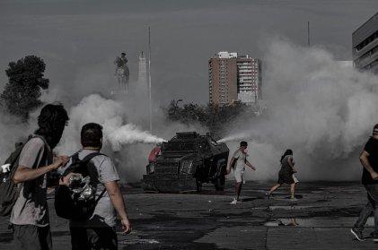 Piñera da un respaldo incondicional a carabineros acusados por violar derechos humanos