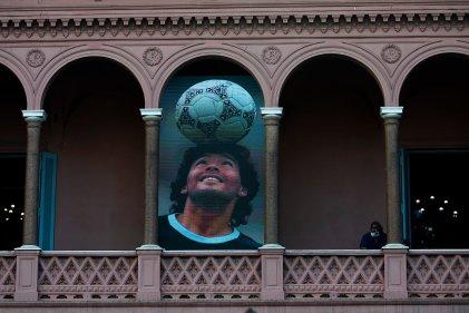 Maradona, el corazón y la cabeza