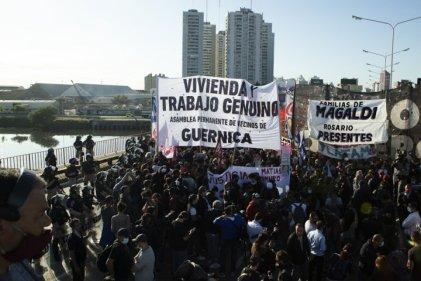 Familias de la Asamblea Permanente de Guernica exigen al gobierno un IFE de $50.000 para todos los que necesiten