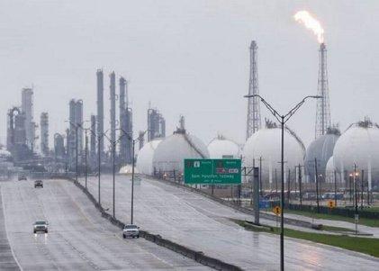 Harvey e Irma impactan en economía de EE.UU.