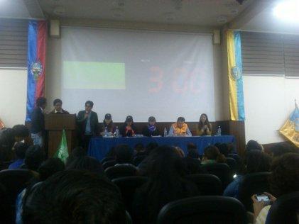 Bolivia: acalorado debate con diputadas del MAS por Referéndum